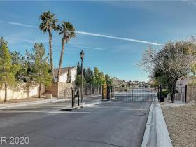8313 Vista Colorado Street